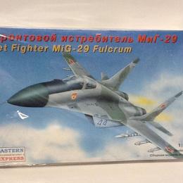 【新品】1/72 Jet Fighter MiG-29 Fulcrum ss1801-292