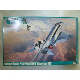 """【中古】【未組立】 [プラモデル]   ハセガワ  1/48  マクドネル ダグラス F-4J ファントム Ⅱ """"ショータイム 100"""" 188-176SK"""