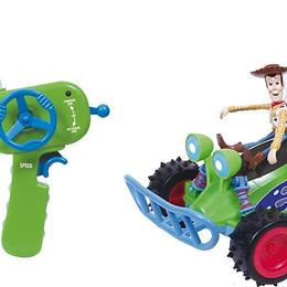 トイストーリー RCのラジコンカー バズとウッディのフィギュア付  Buzz & Woody Radio Controlled Car