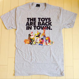 トイストーリー  The Toys are Back in Town Tシャツ【MENS】