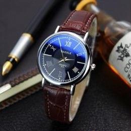 海外ブランド Yazole レディース腕時計 クォーツ時計 プレゼント ギフト 日本未入荷 ラグジュアリー 話題沸騰 ホワイトブラック