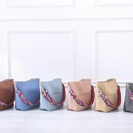 海外高級ブランド Gorden Yi De PU Leather デザイナーバケットバッグ