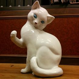 PUGI / 猫置物
