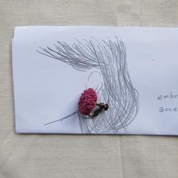 ラフィアの刺繍キット  / 耳飾り   -マゼンタ-
