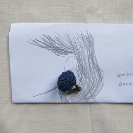 ラフィアの刺繍キット  / 耳飾り   -紺-