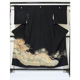 ●さらに!値引きしました30%OFF【黒留袖】 正絹比翼付き/刺繍/浜に松☆153cm前後の方ベストサイズ【美品】