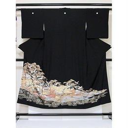 ●さらに!値引きしました30%OFF【黒留袖】 正絹比翼(寿)付き 鶴に松竹梅 刺繍入り☆146cm前後の方ベストサイズ【美品】