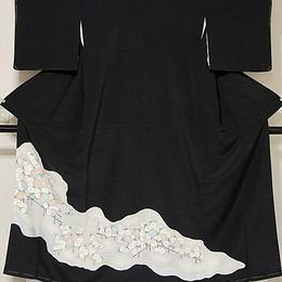 【未使用 仕付け】【黒留袖】正絹比翼 道長取りに菊☆154cm前後の方ベストサイズ【訳アリ】