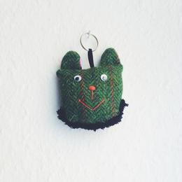 おヒゲな緑クマさんのキーホルダー