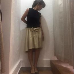 フワッと広がるリブ付きフィッシュテールスカート