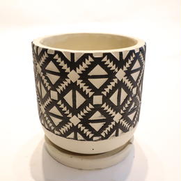 White&Black pot A