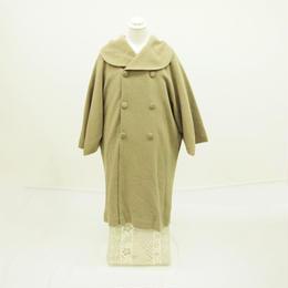 大きな衿が可愛くて暖かいウールコート