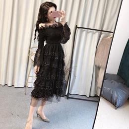 ワンピース❤韓国ドレス オフショルダーで星が入ったティアードスカートがとっても可愛い hdfks962015