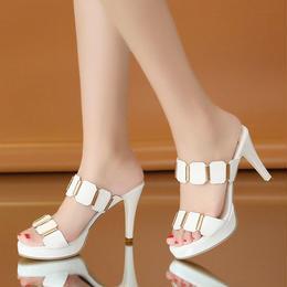 パーティサンダル❤チラリゴールドでスタイリッシュ!ピンヒールデザインで綺麗な足をアピールしてね! hdfks961305