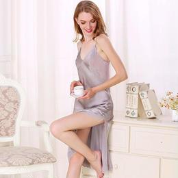 (MAYUDAMAシルク)シルク100% シルク ロングスリップ 刺繍レース Vネック ネグリジェ ハーネス ドレス ナイトドレス セクシー 優雅 エレガント <シルバーグレー>