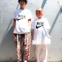 NESINロゴBIGTシャツ