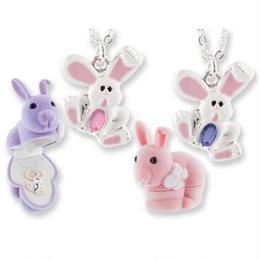 【ウサギ】 Wildlife Garden アニマルペンダント 愛しい ベロアボックス ♡ ユニークな動物たち ペンダント 40cm アジャスタ付