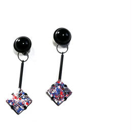 paint furiko _ pink x black pierced / earrings