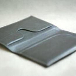 北米産カーフスキン(子牛革)を使用した薄型カード、名刺ケース
