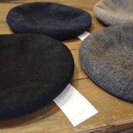 """NEW"" Nine Tailor Chiasma beret"