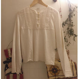 white tops long sleeves cotton