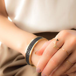 Leather Bangle (Black×Gold)