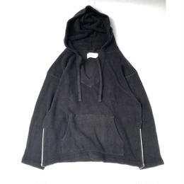 "tr.4 suspension / ""El Chapo"" pile pull over hooded   (black)"