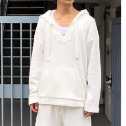 "tr.4 suspension / ""El Chapo"" pile pull over hooded   (white)"