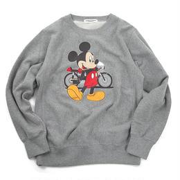 YOSHIDAROBERTO™DISNEY COLLECTIONモーターサイクルミッキーマウスクルーネックスウェットシャツ(グレー)
