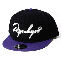 OKINAWAMADE™「RYUKYU」刺繍スナップバックキャップ(ブラックパープル)
