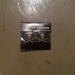 TMGE PIN BADGES 2styles pack