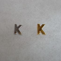 アルファベット ピアス K