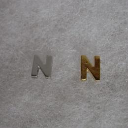 アルファベット ピアス N