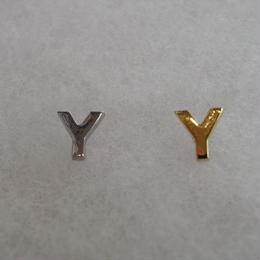 アルファベット ピアス Y