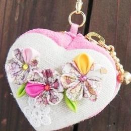 【AuroraDrop】花咲くマカロンポーチ ピンク・3フラワー M6-P015