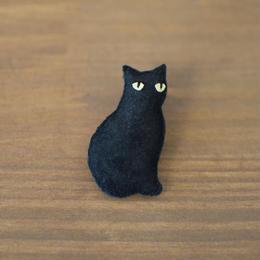 ブローチ 黒猫 縦