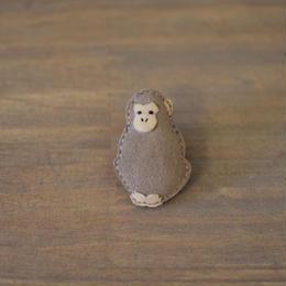 ブローチ サル