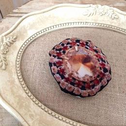 bijou print brooch large brown x red
