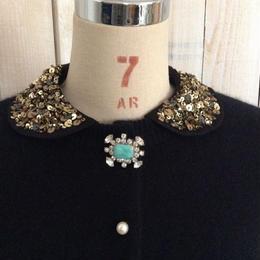 angora collar Cardigan black collar + green brooch