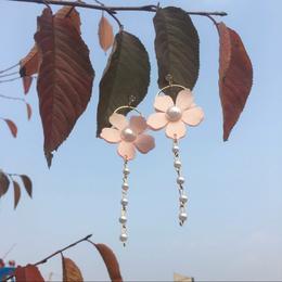 【お取り寄せ商品】 花びらサークルピアス