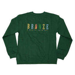 BRONZE56K BEAR EMBROIDERED CREWNECK FOREST GREEN