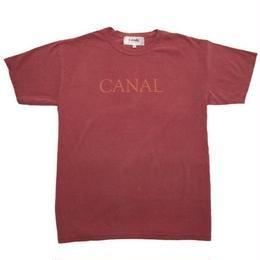 """Canal """"Goudy"""" Tee - Crimson"""