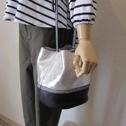 NEUVILLE gritter shoulder bag