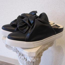 POE ribbon shoes