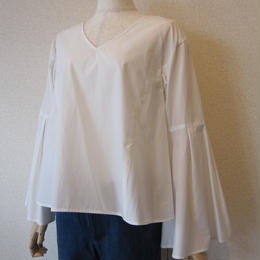 Andcurtaincall flare sleeve blouse white