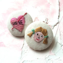 刺繍ボタン♡ 恋した女の子2つセット