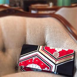 京都産正絹 帯のクラッチバッグ 豪華赤黒金銀華丸亀甲文様 Bタイプ