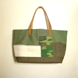 #083 vintage military patchwork bag M size