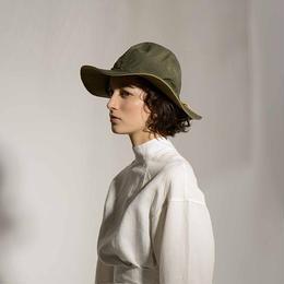 LA MAISON DE LYLLIS   MILY HAT