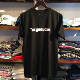 """【ラス1】RUGGED """"Tokyo sucks"""" tee(Black)"""